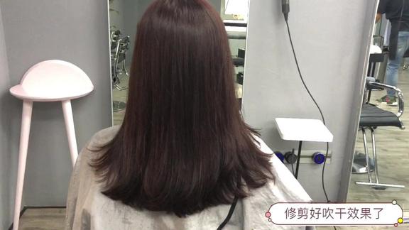 发型师帮小姐姐推荐的这款发型不仅好看还显气质