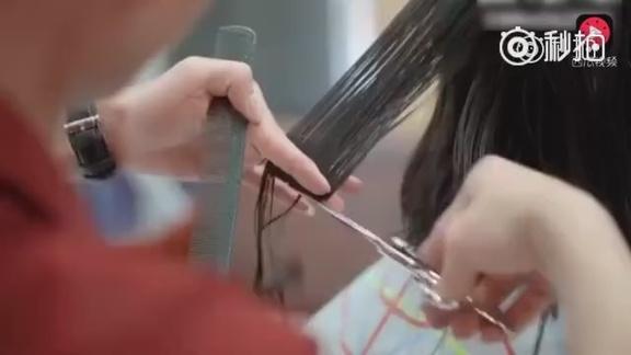 @365个潮流发型: 想剪短发的美女们可以拿着这个视频给理发师看哦