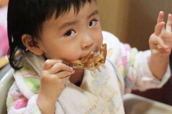 给宝宝太早吃肉,会影响消化?过了这个年纪才能吃!