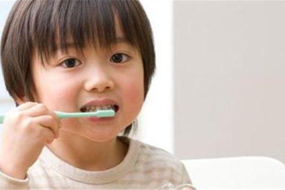孩子不爱刷牙怎么办,聪明妈妈用了这3个方法,宝宝终于爱刷牙了