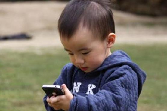孩子沉迷手机游戏怎么办?教你3招轻松搞定,太有效了