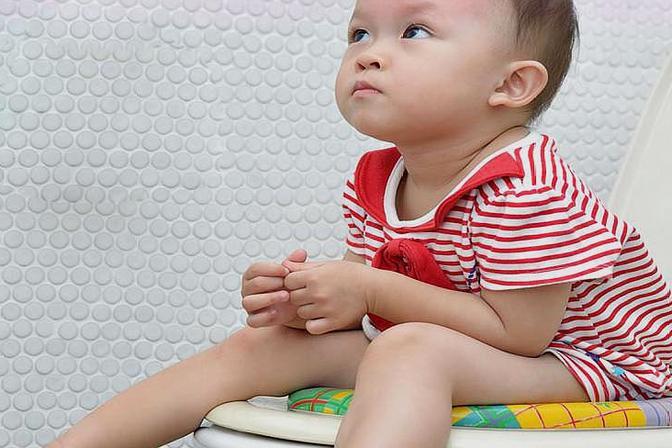 宝宝好几天不拉便便,是便秘还是攒肚子?宝妈应如何区分