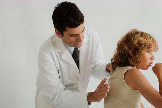 孩子咳嗽总是不见好?妈妈们试试这3种辅助法,能有效治疗病情!