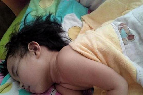 宝宝睡觉总是满头大汗?可能是因为这几种原因,家长要知道!