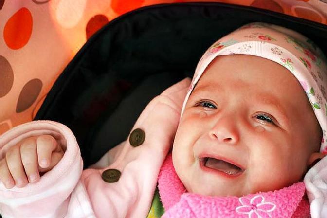 婴儿为什么一直哭不停?一直哭会对婴儿造成什么伤害?