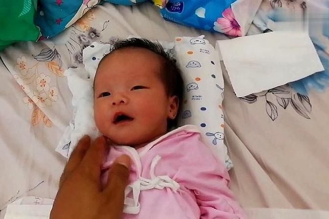 出生19天的宝宝原来是这样的,平时白白净净,哭起来面红耳赤