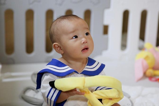 妈妈给宝宝断奶时,需注意以下5点,以免加重宝宝的焦虑情绪