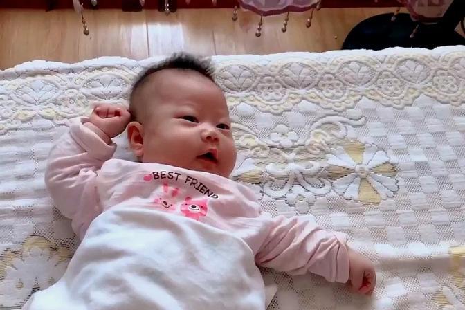 宝宝爱哭闹没准是肠胀气造成的,宝妈学会改善方法,宝宝少受罪