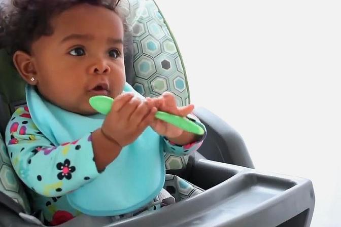 宝宝不吃饭也不能乱喂,这样喂饭会导致宝宝缺失咀嚼能力!