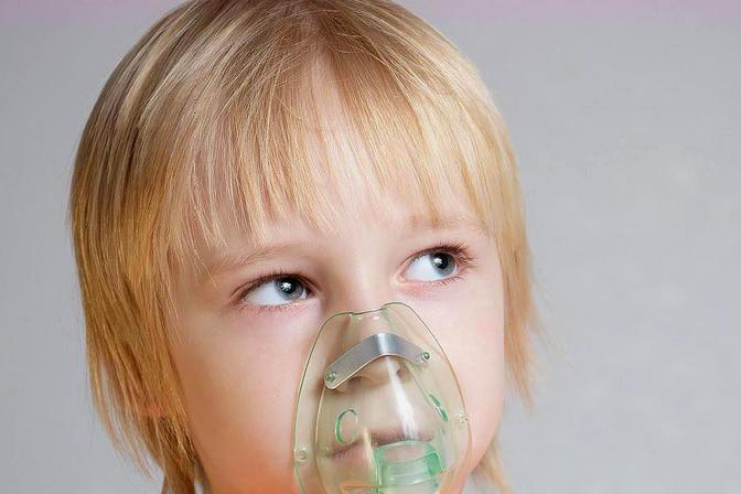 小孩子总是在夜间咳嗽,家长要注意了,很有可能是哮喘