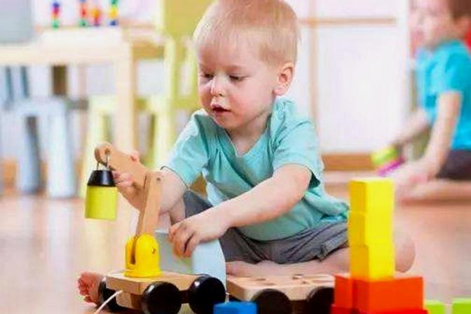 一个孩子嫉妒心强,背后都会有这样的问题!6岁前要改正