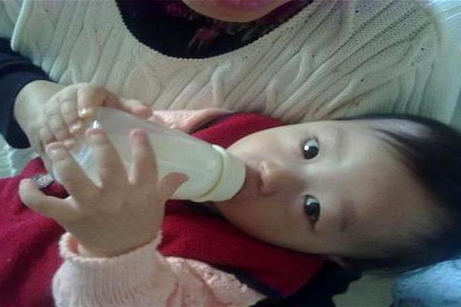 到了这个年龄,宝宝必须戒掉奶瓶!晚了影响牙齿发育,口齿不清