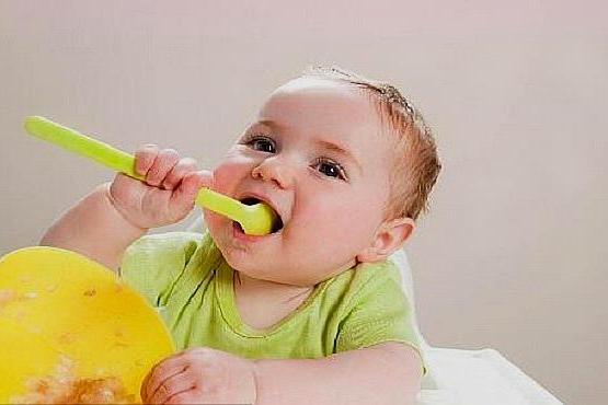 宝宝不吃饭,家长如此做法,有4大危害,每个家长都需要了解一下