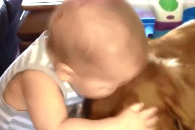 宝宝经常咬人?你以为只是好玩吗,父母在这方面一定要注意