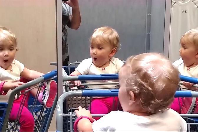 宝宝看到新事物的惊讶表现,太逗了!