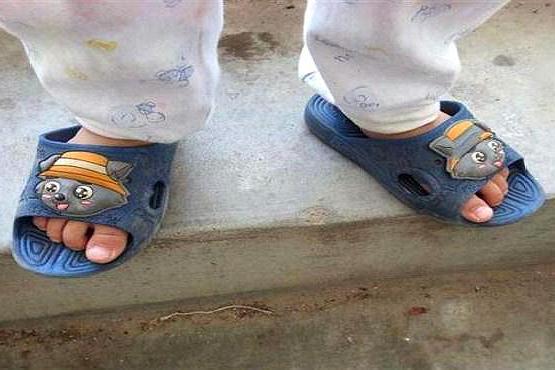 孩子为什么总喜欢反着穿鞋?背后的原因在这里,再忙也要看看