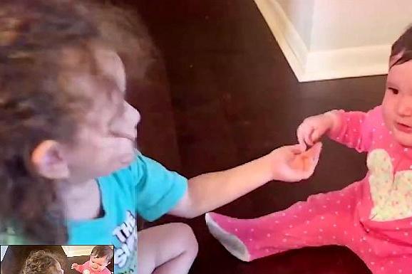 2-4岁的宝宝,总是调皮捣蛋,教你几招,轻松应对