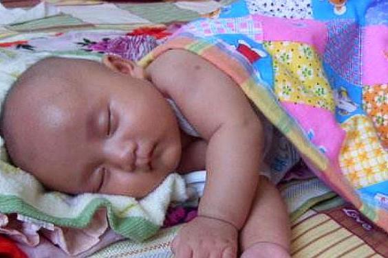 宝宝翻来覆去睡不安稳,是这3个原因引起的,宝妈应该知道