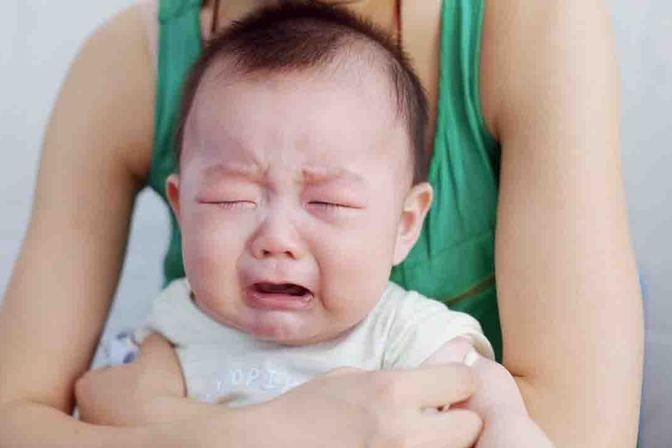 宝宝长痱子了怎么办?快来学习4种方法,免除宝宝的痛苦