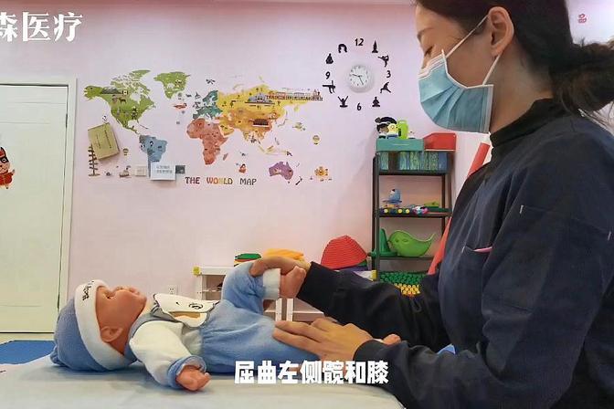 宝宝几个月会翻身?小技巧让你快速教会宝宝翻身