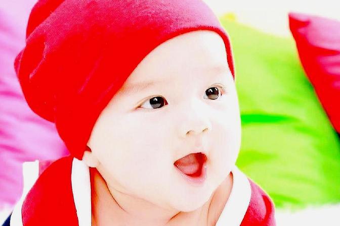 如何正确抱宝宝,防止宝宝歪脖子,爸爸妈妈一起来学学吧
