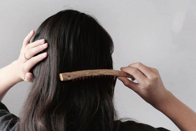 女性45岁后脱发,罪魁祸首是奶茶喝多了?3类食物,都要少吃点