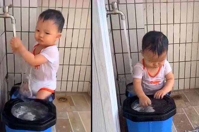 """萌娃开水龙头坐水桶里""""冲澡"""",妈妈走近一看崩溃:就离开3分钟"""