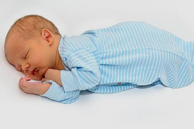 育儿小妙招:为什么宝宝六个月后容易生病?以及如何提前预防?
