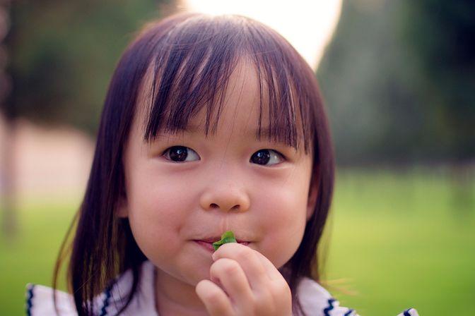 孩子4岁后,家长就不要当着外人面这样叫孩子了,孩子会很丢人!