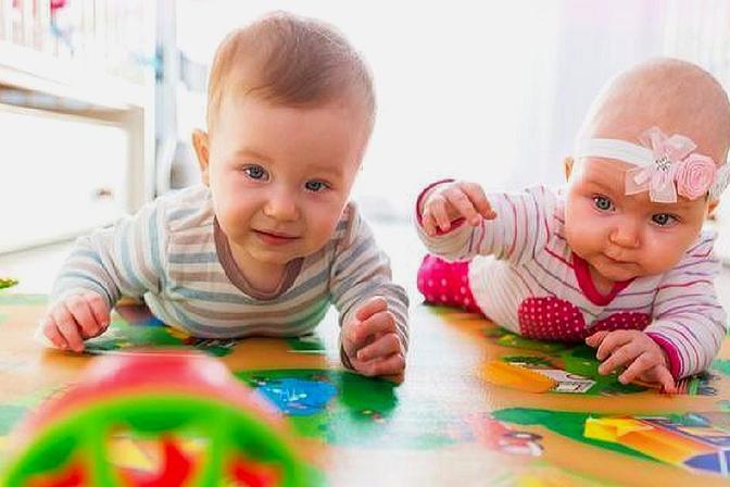 宝宝9个月不会爬行是发育不良吗?满足这些标准,妈妈可以放心了