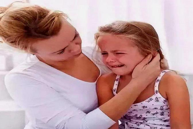 孩子刚上幼儿园,就哭闹不停,试试这些方法让孩子喜欢上幼儿园