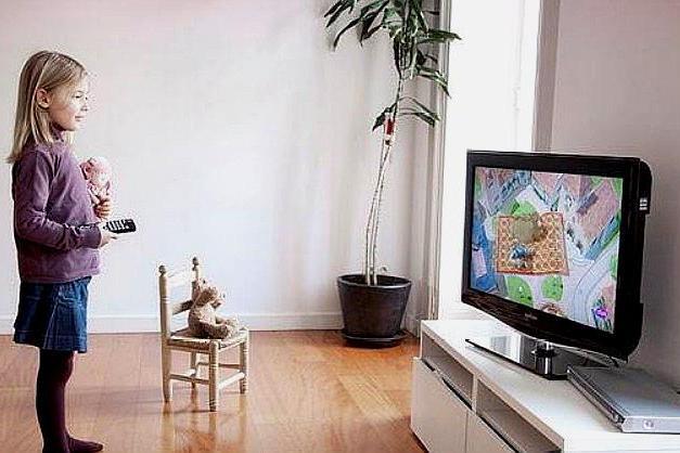 """我们都欠电视一句""""对不起"""",教育专家告诉你,孩子看电视的好处"""