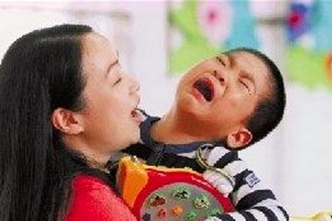孩子发脾气时,父母的反应很重要,可能会影响孩子一辈子!