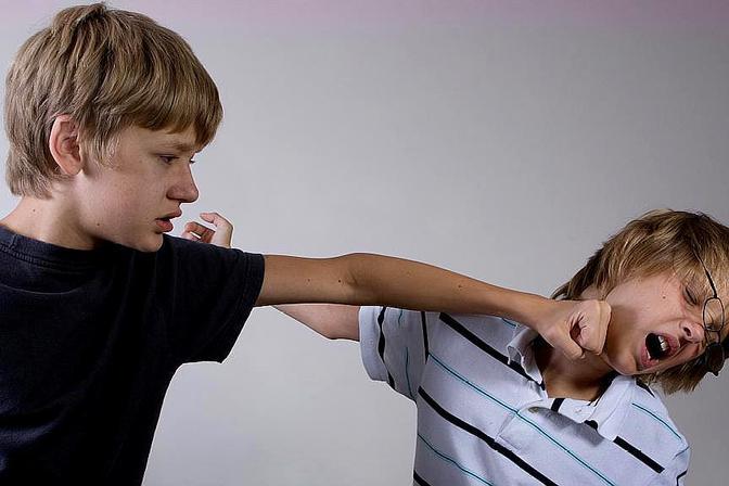 教育专家马紫月:孩子在学校被打了,要不要教他打回去?