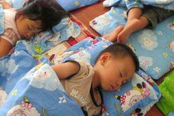为什么幼儿园的孩子都要睡午觉?答案在这里,家长要知道