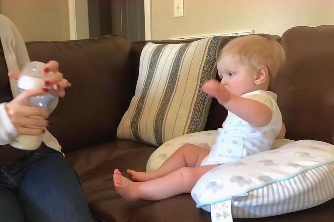宝宝光脚走路,到底是好还是不好?其实好不好取决于这些