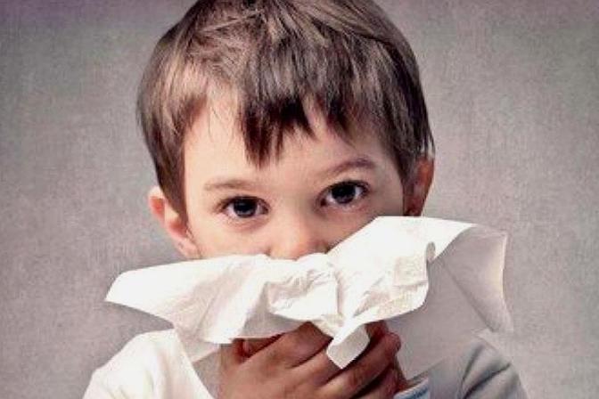 孩子总是频繁流鼻血,原来是这些原因造成的,家长一定要注意了