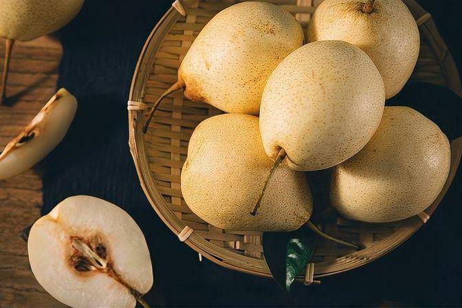 宝宝冬天吃什么水果好?苹果和梨子都是不错的选择,清热润肺去燥