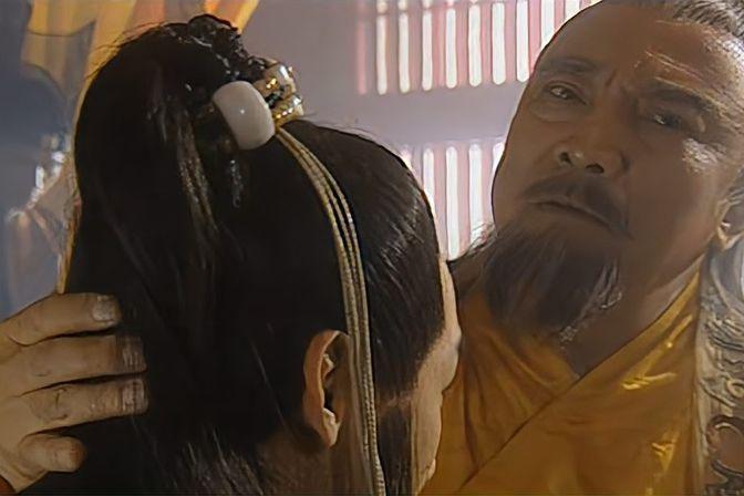 朱元璋第一次摸孙儿后脑勺,一个要当皇帝的人长这样,不祥之兆呀