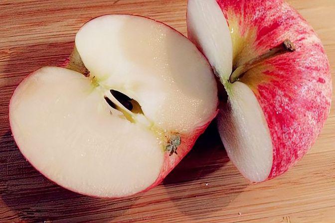 冬季给孩子吃这2种水果,补充营养保护肠胃,还提高身体抵抗力