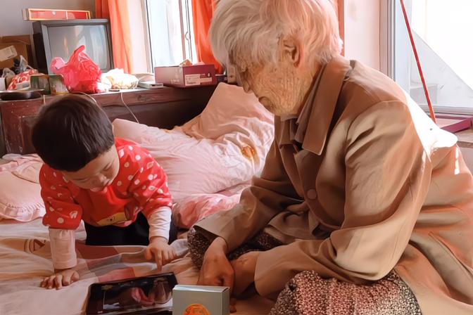 91岁老人一招解决2岁半宝宝爱吃糖的问题,妈妈也佩服