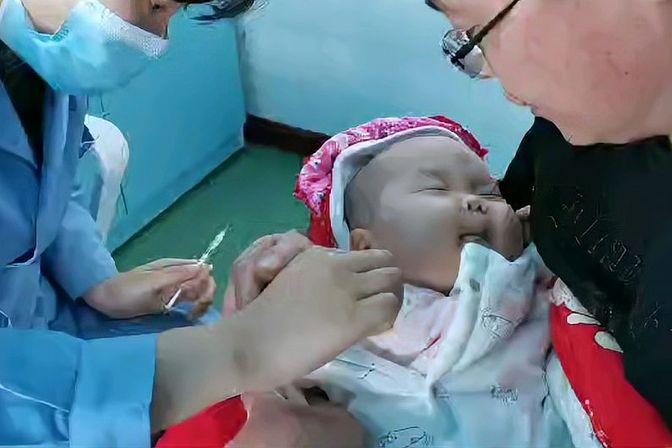 宝宝打防疫针的完整过程