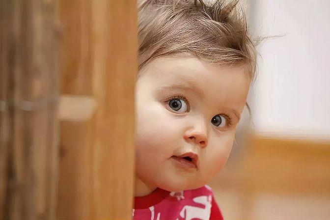 宝宝认生没出息是错的,认生是宝宝聪明的表现,建议家长这样做!