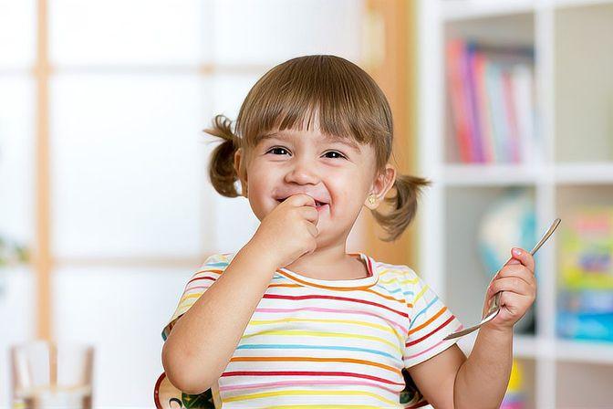 儿科医生提醒:孩子的舌头、舌边发红要注意!多是有心火了