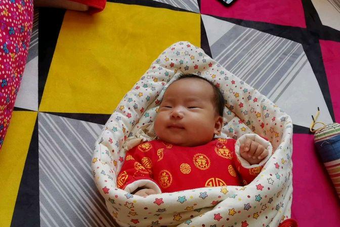 50多天的小宝宝鼻子不通气,去医院医生还不建议吃药,该怎么办