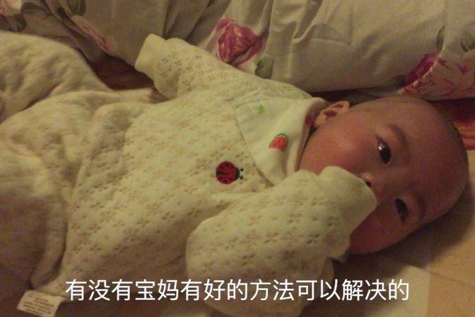 宝宝头上长脏东西,急坏宝妈,该怎么办呢