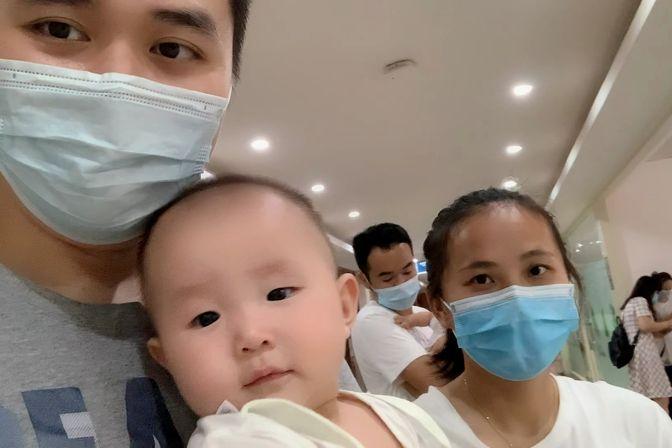 宝宝八个月,身高72CM体重17斤,每天喝800毫升奶粉还是贫血缺钙
