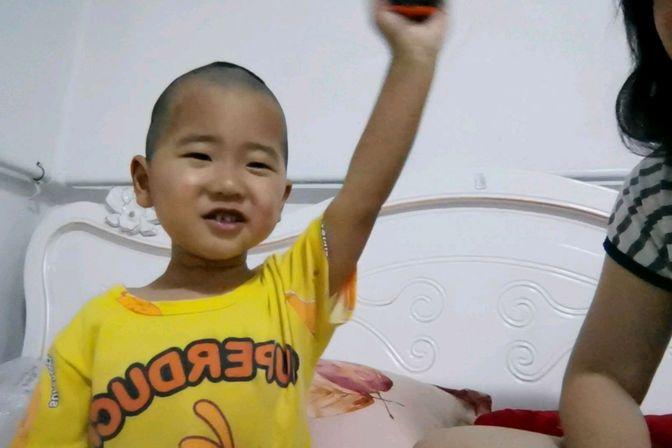 2岁半宝宝只会说单字,医生说是因为父母这件事做错了